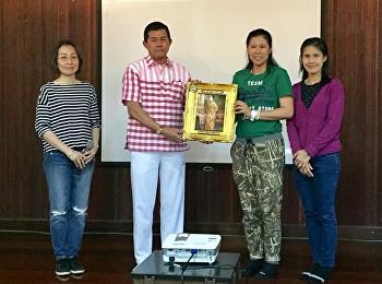 วันที่ 20 - 21 มกราคม พ.ศ. 2561 อาจารย์ ดร. ศศิพร พงศ์เพลินพิศ หัวหน้าสาขาวิชาภาษาอังกฤษร่วมด้วยคณาจารย์สาขาวิชาฯ ดำเนินโครงการค่ายภาษาอังกฤษเพื่อพัฒนานักศึกษาตามอัตลักษณ์สวนสุนันทา (English camp for Enhancement SSRU Expected Characteristic in Students)