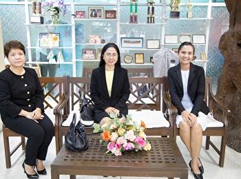 30 เมษายน 2561 รองศาสตราจารย์ ดร.นันทิยา น้อยจันทร์ คณบดีคณะครุศาสตร์ เป็นประธานกล่าวเปิด โครงการอบรมเชิงปฏิบัติการ