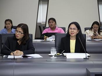 30 เมษายน 2561 รองศาสตราจารย์ ดร.นันทิยา น้อยจันทร์ คณบดีคณะครุศาสตร์ อาจารย์ ดร.กรรณิการ์ ภิรมย์รัตน์ รองคณบดีฝ่ายวิจัยและบริการวิชาการ พร้อมด้วยเจ้าหน้าที่ฝ่ายวิจัยและบริการวิชาการ เข้าร่วมประชุมชี้แจงแนวทางการดำเนินงานบริการวิชาการตามยุทธศาสตร์ มหาวิทย