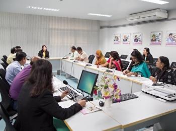 ผู้ช่วยศาสตราจารย์ ภาวิณี โฆมานะสิน รองคณบดีฝ่ายแผนและประกันคุณภาพ ได้กล่าวเปิดงานโครงการฝึกอบรมเชิงปฏิบัติการการจัดการศึกษาระดับประถมศึกษาของไทย จัดโดยศูนย์พัฒนาวิชาชีพทางการศึกษา ให้กับคณะผู้บริหารและคณาจารย์ สังกัดกระทรวงศึกษาธิการ ประเทศบังกลาเทศ จำนว