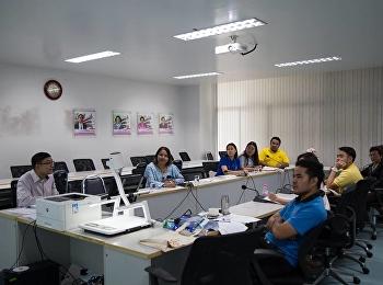วันที่ 10 สิงหาคม 2561 ผู้ช่วยศาสตราจารย์ ดร.สุธิพงศ์ บุญผดุง รองคณบดีฝ่ายบริหาร ประชุมชี้แจงการสร้างความเข้าใจและกระจายตัวชี้วัดแก่บุคลากรสายสนับสนุนวิชาการคณะครุศาสตร์