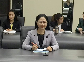 4 March 2019 Associate Professor Dr. Nantiya Noichun, Dean, together with staff attending the Internal Quality Assurance Committee meeting Academic Year 2561, No. 2/2562, at the University Council Room, 5th floor, Building 31,